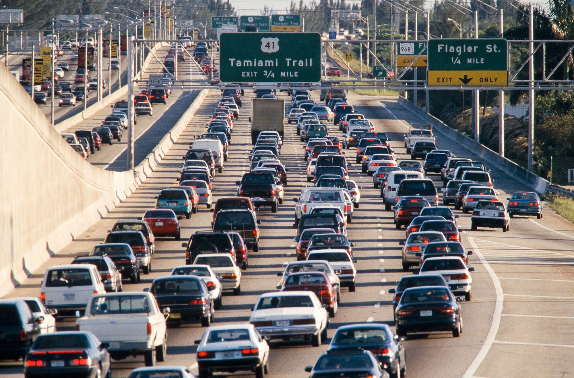 reducing car dependency in los angeles as a solution to traffic congestion Increased car dependency increased air pollution - urban sprawl increases car and truck traffic by increased traffic congestion and traffic.